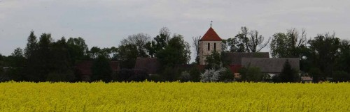 Kirche von Werder aus der Ferne