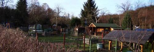 Brauerei über den Kleingärten