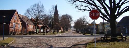 Die Dorfstraße von Ringenwalde