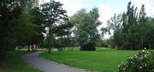 Parkfläche unweit des Bahnhofs, Wartenberg