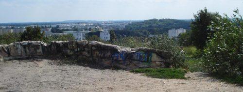Blick vom Gipfel auf die südlichen Nachbarberge
