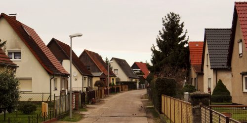 Siedlungsstraße An den Schlenken in Leegebruch